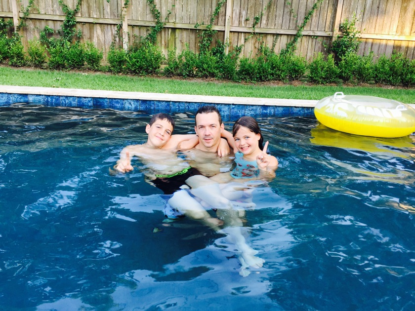 Guillaume, Max, and Amelie stopped doing flips in the pool long enough to let me take a snapshot of the three of them - Happy Father's Day Guillaume :)
