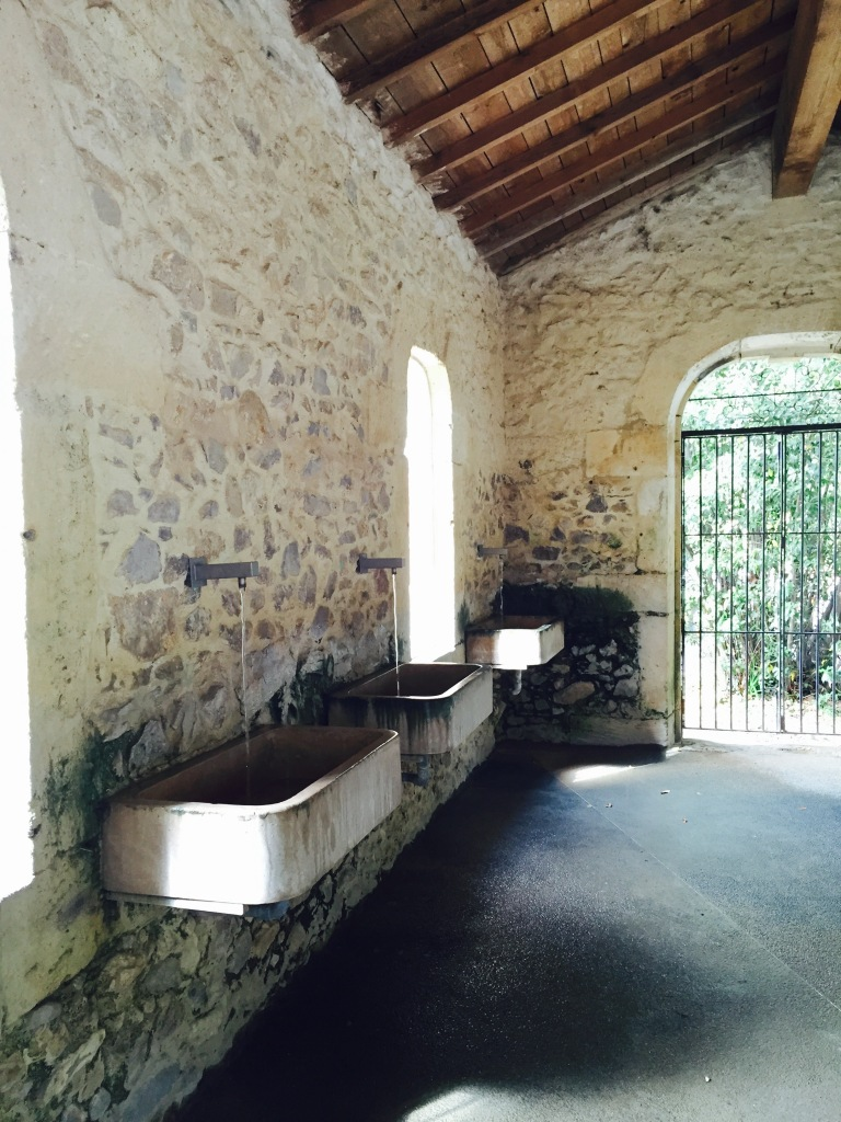 To Be Simply Happy: Montpellier, France - Natural Spring Drinking